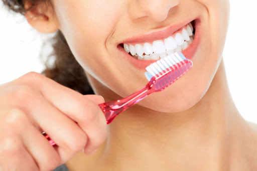 chăm sóc răng miệng sạch sẽ